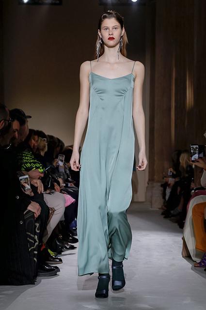 Неделя моды в Милане: Кайя Гербер на показе Salvatore Ferragamo сезона осень-зима 2019/2020
