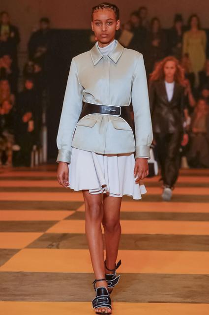 Неделя моды в Париже: сестры Хадид и Карли Клосс на показе Off-White осень-зима 2019/2020
