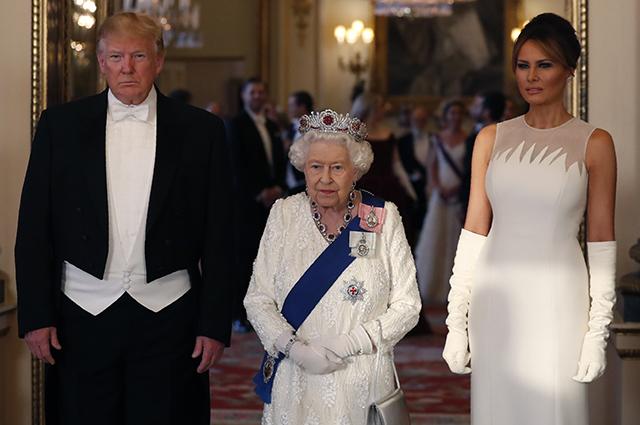 Дональд Трамп, королева Елизавета II и Мелания Трамп