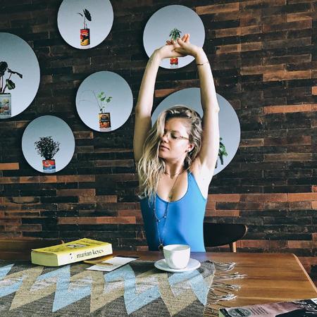 Мария Ивакова для SPLETNIK.RU о бодипозитиве, вегетарианстве и бикрам-йоге