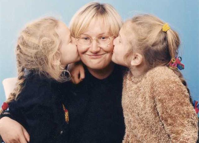 Елена Батурина с дочерьми