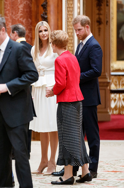 Иванка Трамп и принц Гарри в Букингемском дворце