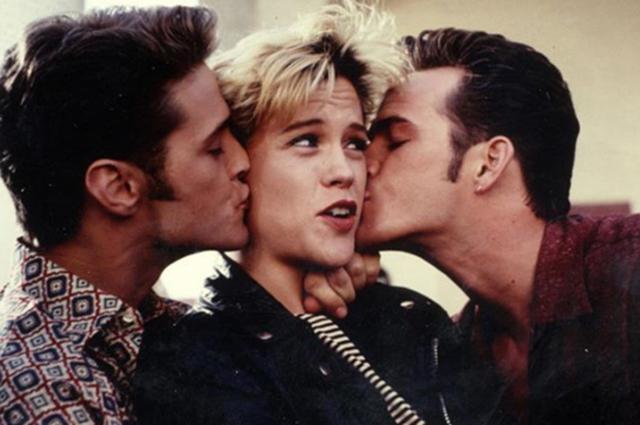 """Джейсон Пристли, Кристин Элис и Люк Перри в сериале """"Беверли Хиллз 90210"""""""