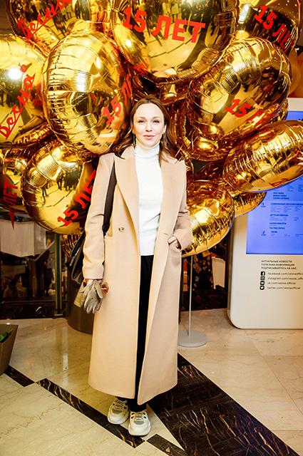 Ксения Собчак, Анна Чиповская, Альбина Джанабаева и другие на дне рождения торгового центра