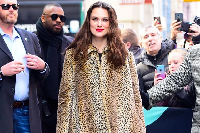 Леопард и красная помада: Кира Найтли представила новый фильм в Нью-Йорке