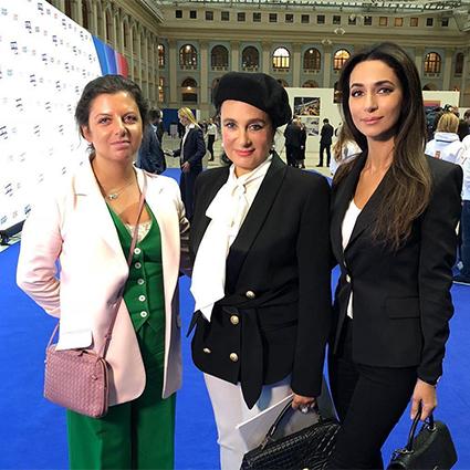 Ирина Винер-Усманова с Маргаритой Симоньян и Зарой