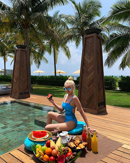 Звездные каникулы: Регина Тодоренко, Дженнифер Лопес, Елена Летучая и другие делятся отпускными фото