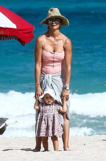 Шведская принцесса Мадлен с дочерью Адриенной