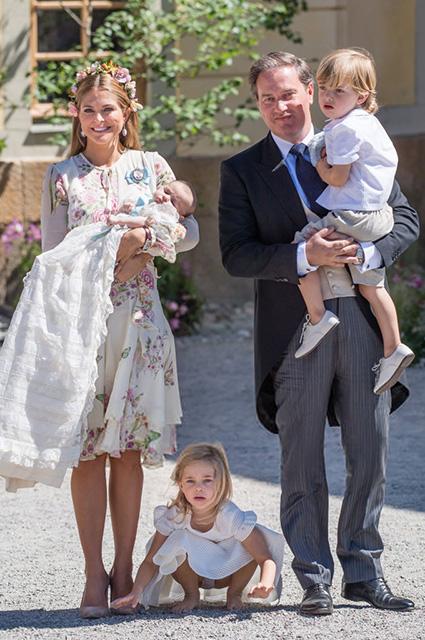 Принцесса Мадлен и Кристофер О'Нил с детьми: принцессами Адриенной, Леонор и принцем Николасом