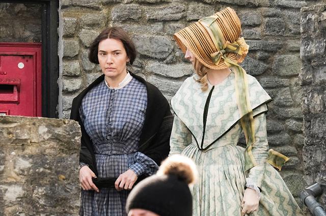 Кейт Уинслет и Сирша Ронан на съемках новой исторической картины в Англии