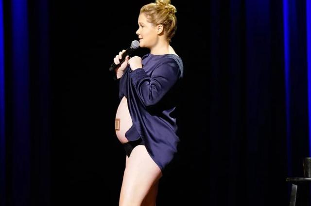 Эми Шумер рассказала о беременности, диагнозе мужа и месячных