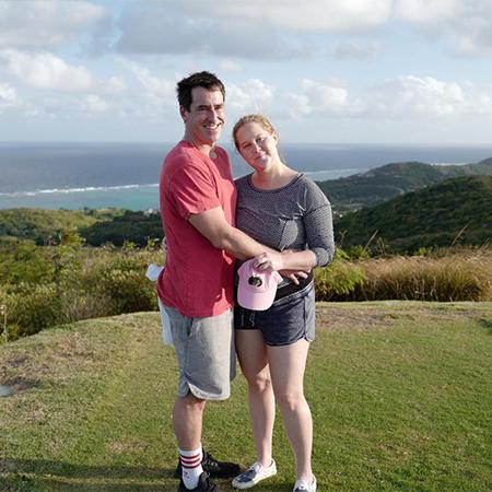Эми Шумер с мужем