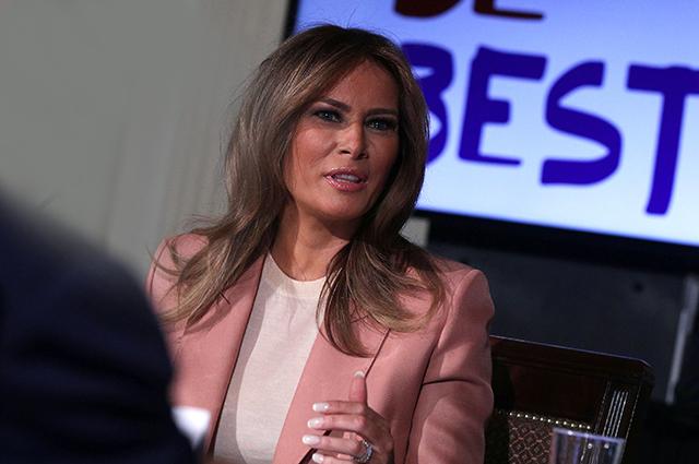 Мелания Трамп обсудила молодежные программы в Белом доме