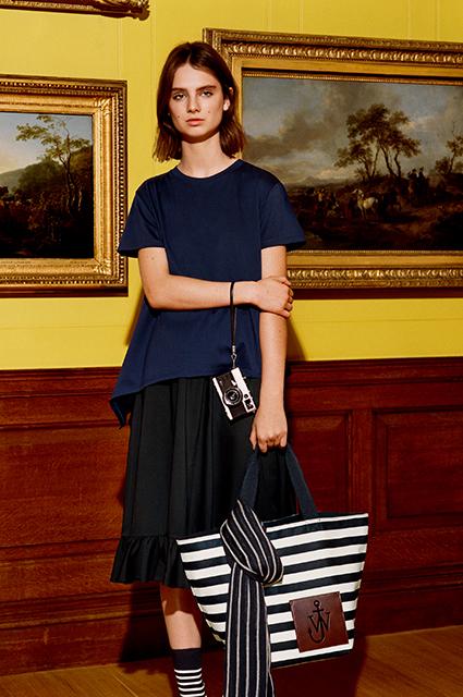 Модный дайджест: от коллекции Нюши до содержимого сумки Ирины Шейк