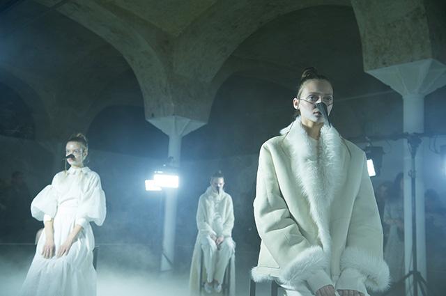 Модный дайджест: от коллекции Полины Гагариной до кроссовок в честь «Игры престолов»