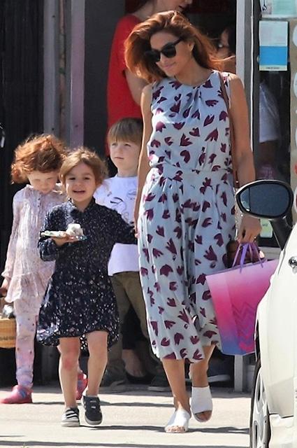 Ева Мендес с дочерью Эсмеральдой