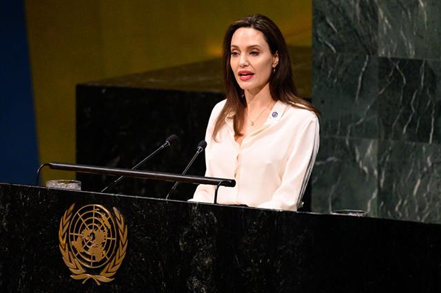 Анджелина Джоли на встрече высокого уровня по миротворчеству: яркий образ и сильная речь