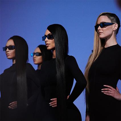 Ким Кардашьян с мамой Крис Дженнер презентовала коллекцию солнцезащитных очков
