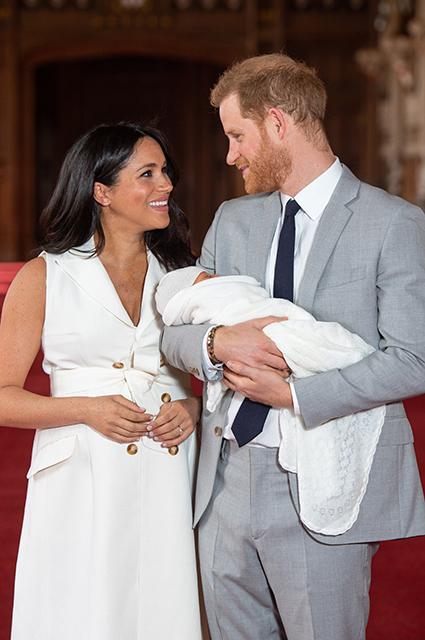 Представители королевской семьи раскрыли подробности предстоящих крестин сына Меган Маркл и принца Гарри