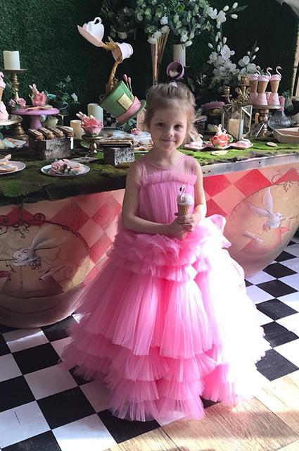 Дочь Елены Перминовой и Александра Лебедева Арина