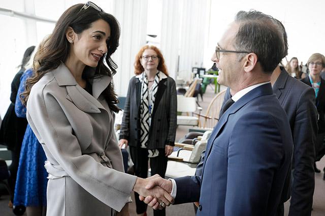 Амаль Клуни и министр иностранных дел Германии Хайко Маас