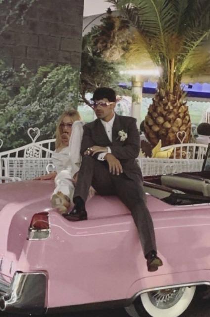 Софи Тернер и Джо Джонас сыграли свадьбу в Лас-Вегасе