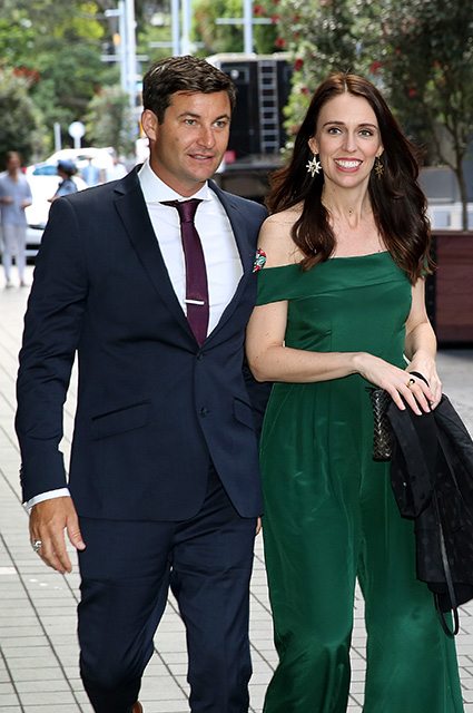 Премьер-министр Новой Зеландии Джасинда Ардерн помолвлена с телеведущим Кларком Гейфордом