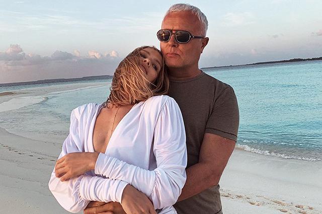 Елена Перминова вместе с мужем и детьми проводит майские праздники на Мальдивах