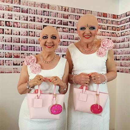 Это Адель и Ева. Они отрицают гендер и сделали из своей жизни искусство
