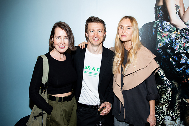 Наталья Ионова, Полина Аскери, Маша Федорова и другие на открытии выставки в Москве