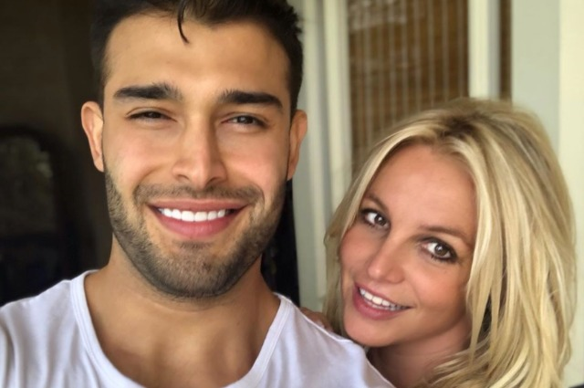 «Я люблю его!»: Бритни Спирс опубликовала романтические фото с Сэмом Асгари