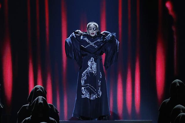 Поклонники Мадонны шутят, что она займет Железный Трон в «Игре престолов»