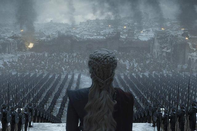 Эмилия Кларк призналась, что смотрела речи Гитлера перед съемками в финале