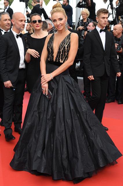 Татьяна Навка в платье от Yanina Couture и украшениях Chopard