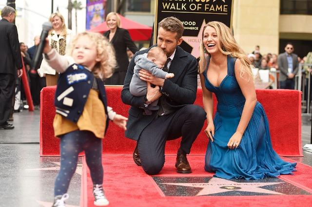 Беременная Блейк Лайвли с детьми навестила Райана Рейнольдса на съемочной площадке