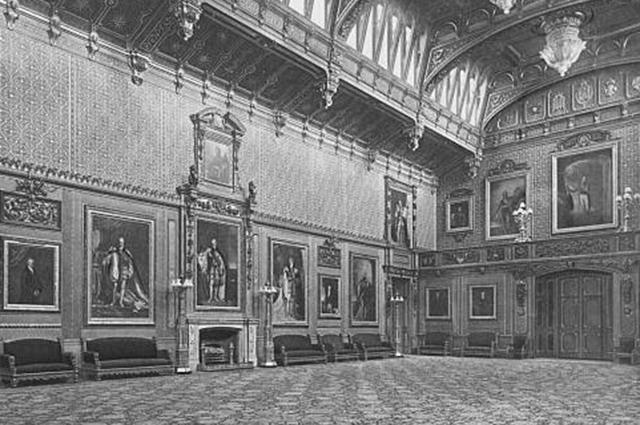 Замки, дворцы, драгоценности: чем владеют и сколько зарабатывают члены британской королевской семьи