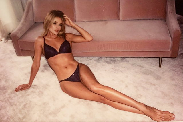 Рози Хантингтон-Уайтли показала новые фото из рекламной кампании авторской линейки белья