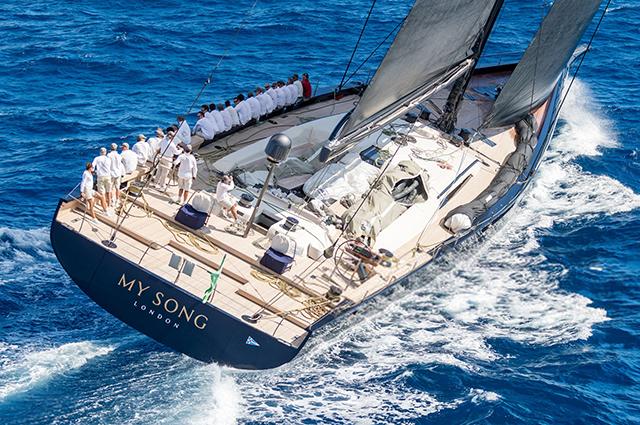 Роскошная яхта за 40 миллионов долларов неожиданно затонула в Средиземном море