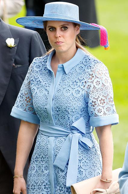 Принцесса Беатрис готова задавать тренды: внучка королевы Елизаветы II наняла новых стилистов