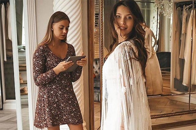 В сети появились новые фото и видео со свадьбы Регины Тодоренко и Влада Топалова в Италии
