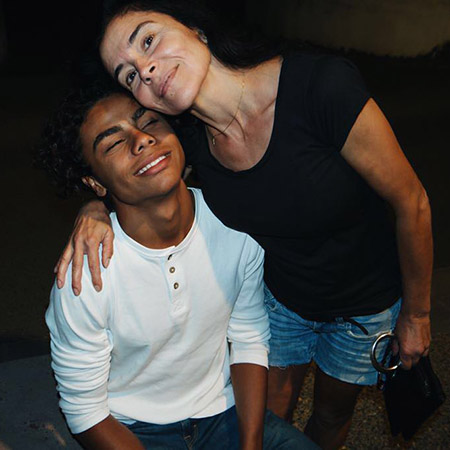Закари Кунаки с мамой Надей