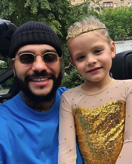 Тимати с дочерью