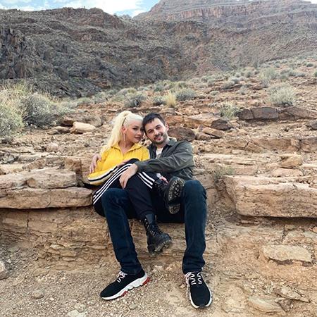Кристина Агилера с возлюбленным Мэттью Ратлером и дочерью отметила День отца в Гранд-Каньоне