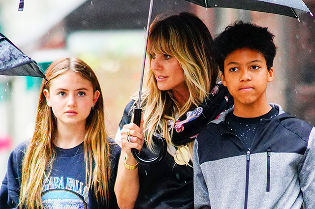 Хайди Клум с детьми прогулялись по дождливому Нью-Йорку