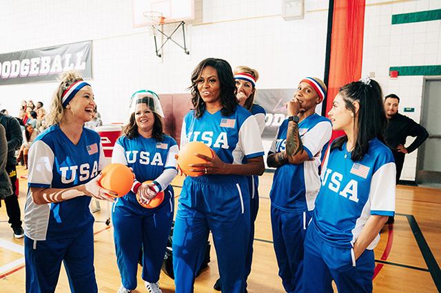 Мила Кунис, Кейт Хадсон, Мишель Обама, Бенедикт Камбербэтч и другие звезды сыграли в вышибалы