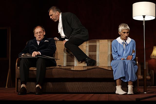 Ксения Собчак, Константин Богомолов и другие на спектакле с Дарьей Мороз в Театре наций