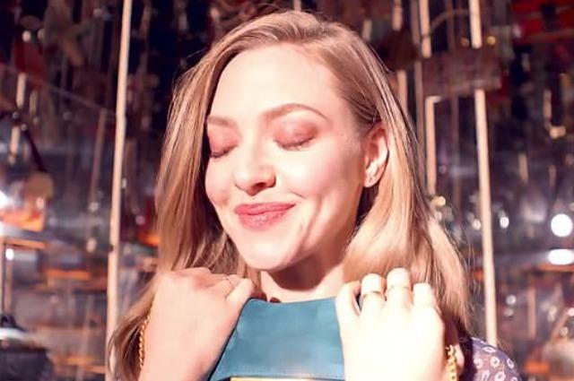 Эмма Робертс и Аманда Сейфрид снялись в новой рекламе Fendi