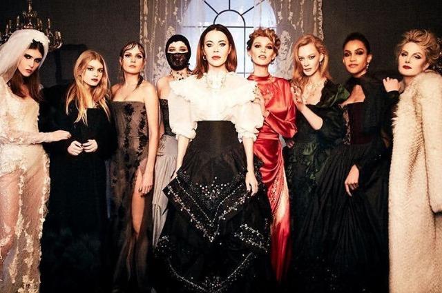 Светлана Ходченкова, Рената Литвинова с дочкой и другие звезды снялись в рекламе новой коллекции Ulyana Sergeenko