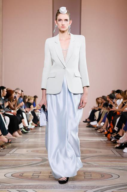 Показ Armani Prive Haute Couture сезона осень/зима 2019/2020