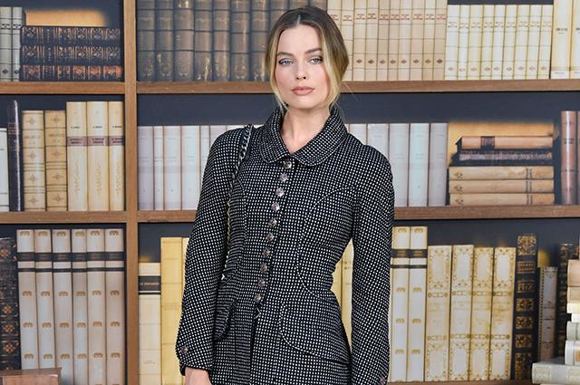 Неделя высокой моды в Париже: Марго Робби, Кайя Гербер, Изабель Юппер и другие на показе Chanel